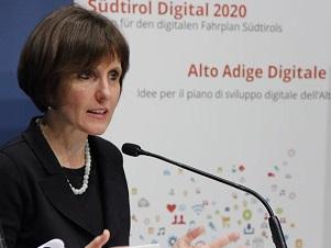 """Bolzano: bilancio del settore IT, Deeg: """"Passi avanti verso digitalizzazione"""""""