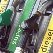 Benzinai: obbligo di fatturazione elettronica slitta al 1° gennaio 2019