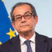 Evitata la procedura di infrazione Ue. Tria: Oggi l'Italia è stata premiata due volte