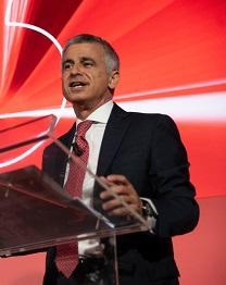 """Vodafone prima in Italia a lanciare il 5G. Bisio: """"Accendiamo le prime 5 città."""""""